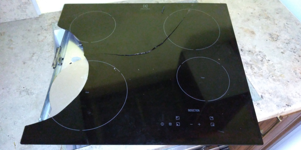 Варочная панель Electrolux induction 520x590  до замены стекла